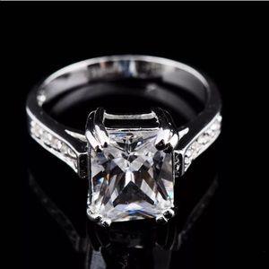 HP🎉💍💎 Emerald Cut CZ Ring sizes 6-10